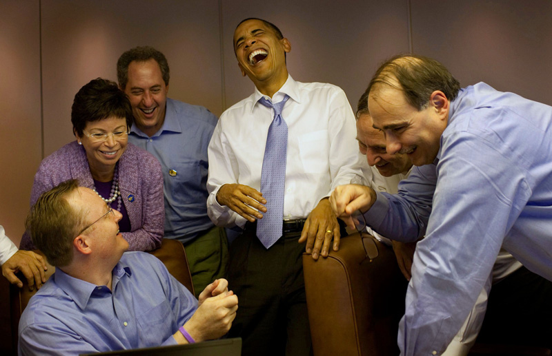 obama-laughing-on-af1.jpg